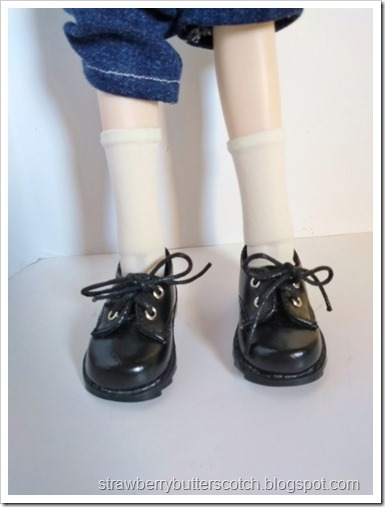 Cute crew socks for a doll made from old tights.  As worn by a ball jointed doll with black shoes.