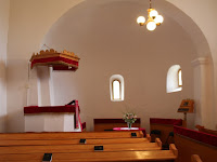 10 A középkori templom belseje.JPG