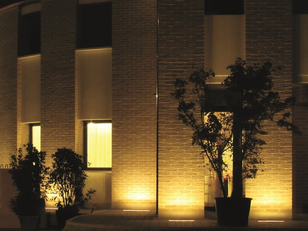 barre_a_led_2_illuminazione_facciate_esterne