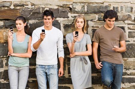 millennials-phone