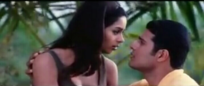 Mallika Sheravath Kissing Scene - Khwahish ( Video)