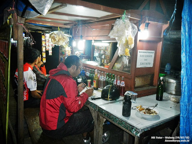 Sahur on the trail (04.00 WIB)