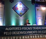 Coordenação, em Gramado, do painel de abertura do 16º Encontro do Fisco Estadual Gaúcho.  O tema do encontro foi a redefinição do pacto federativo onde o ex Secretário da Receita Federal, Everardo Maciel, teve uma ótima participação na abordagem das alternativas para alcançarmos uma verdadeira Federação no Brasil.  De parabéns a AFISVEC e o Sindifisco pelo belo evento.  02-05-2015
