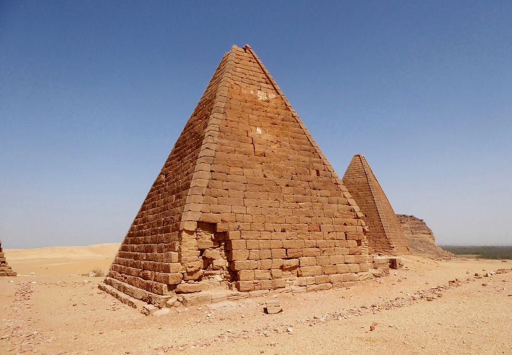 nubian-pyramids-13