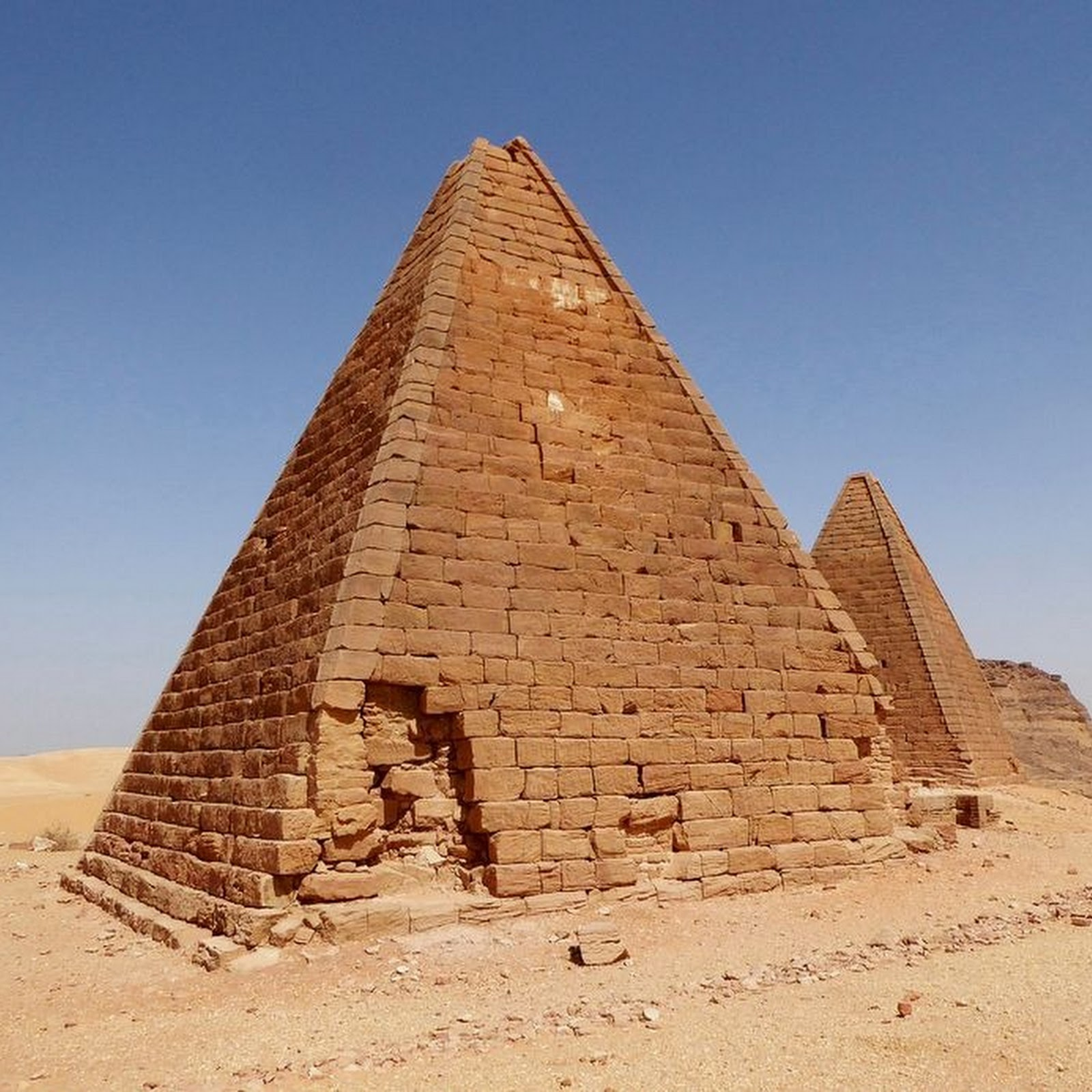 The Forgotten Nubian Pyramids of Menroe