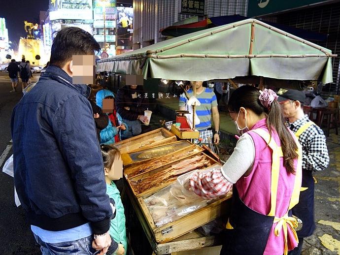 31 嘉義文化路夜市必吃 阿娥豆花、方櫃仔滷味、霞火雞肉飯、銀行前古早味烤魷魚