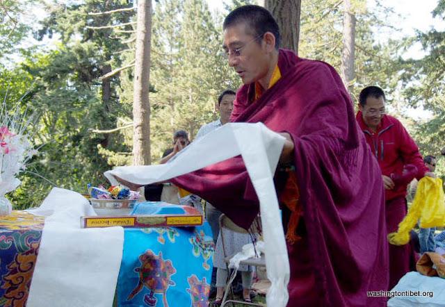H.H. the 14th Dalai Lamas 77th Birthday Celebration at Carkeek Park - 20-ccP7070137%2BHHDL%2BPicnic72.jpg