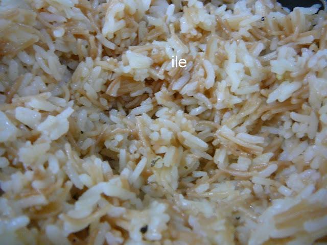 Pilaf o pilau de arroz con fideos cabellos de angel