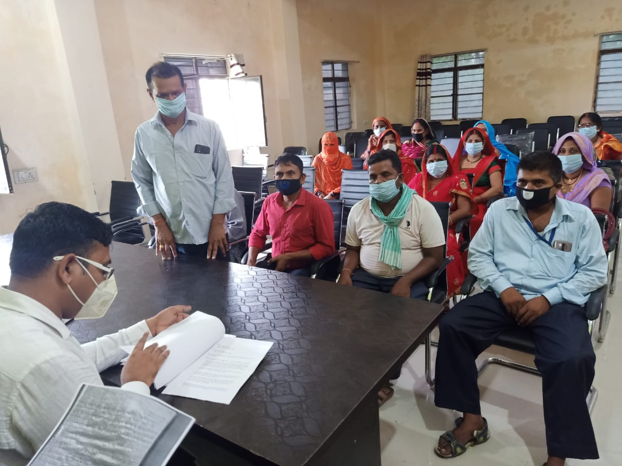 रामगढ़वा प्रखंड प्रमुख पर 15 पं० समितियों ने लगाया अविश्वास प्रस्ताव