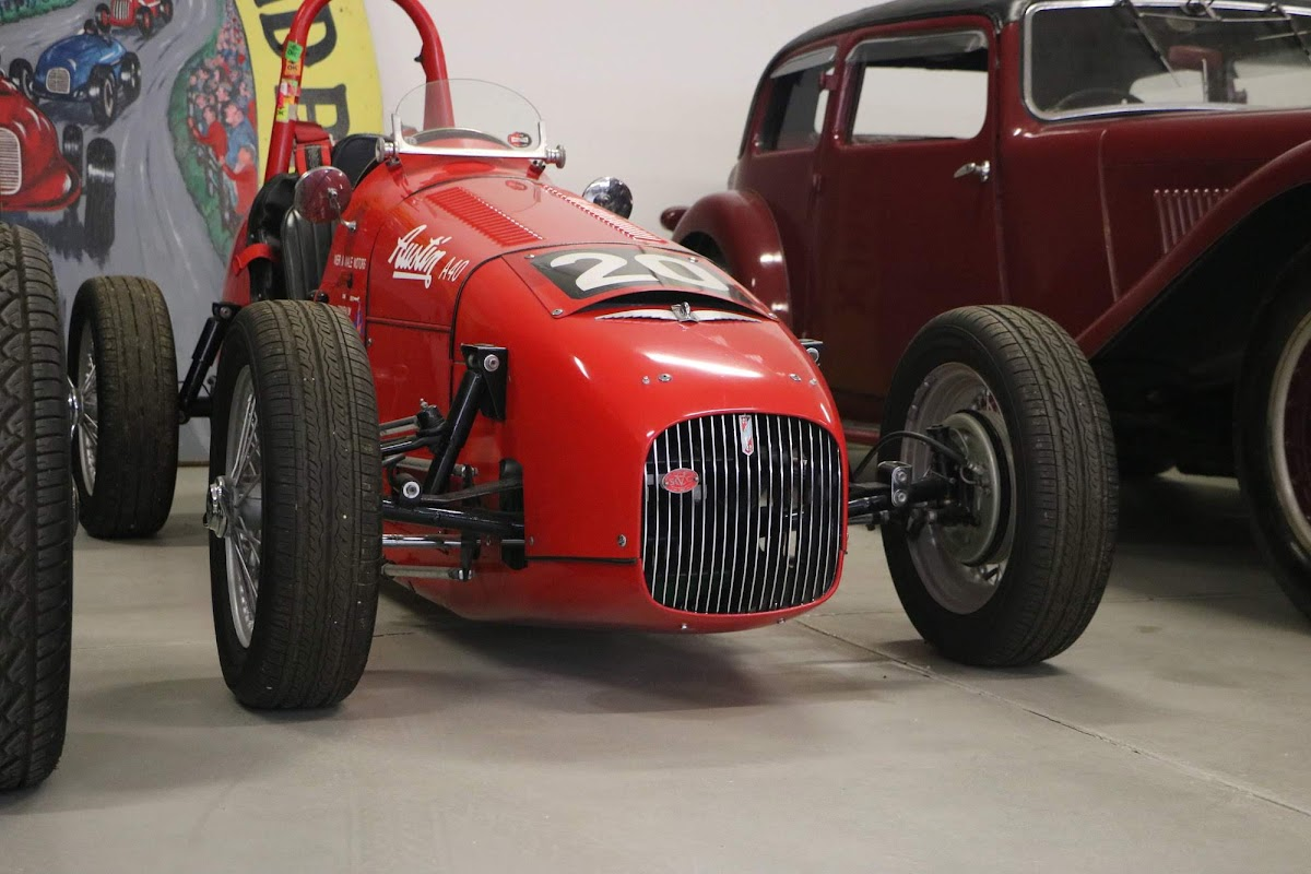 Carl_Lindner_Collection - Austin A40 19.jpg
