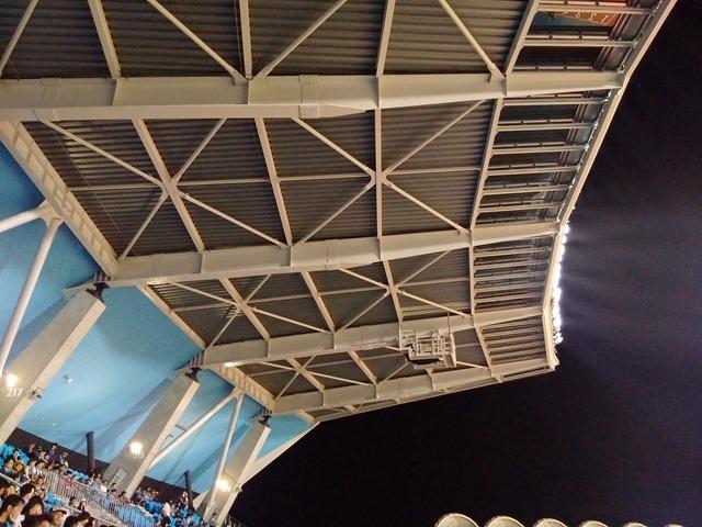 等々力陸上競技場雨濡れる感想屋根川崎フロンターレ