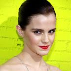emma-watson-short-chic-sophisticated-brunette-hairstyle.jpg
