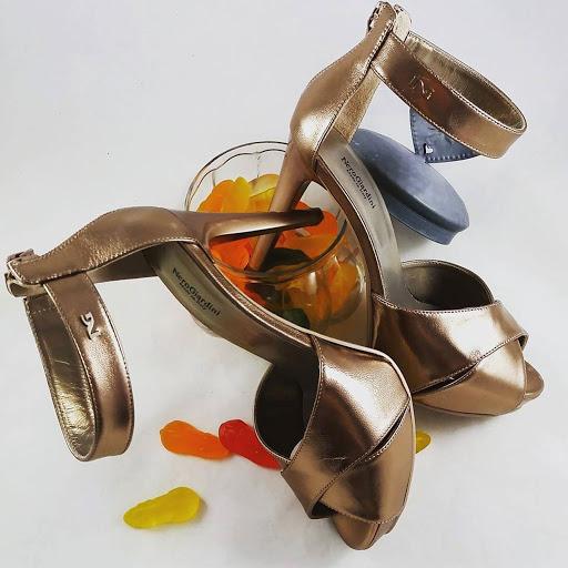 Nerogiardini eleganza retr per i sandali p615790 - Giardini di marzo collezione ...