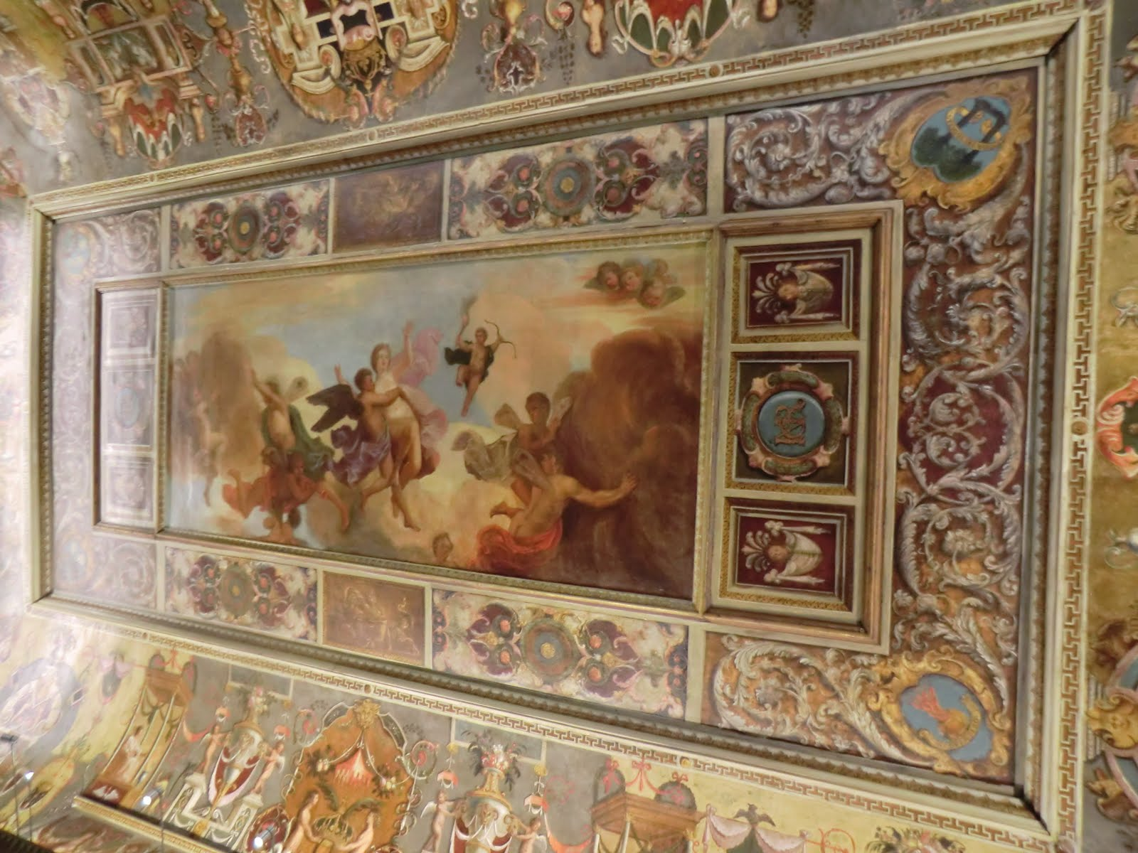 CIMG0368 Ceiling, the Queen's Bedchamber