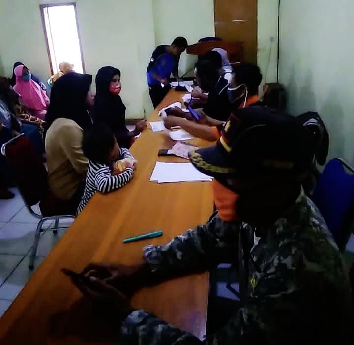 Pemdes Kadununggal Menggelar Penyaluran BST Tahap 8