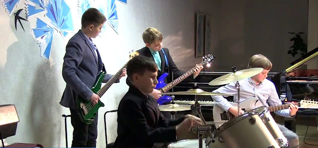Naistepäeva kontsert Ahtme Kunstide Koolis 2017 / концерт посвящённый Между� - 4.jpg