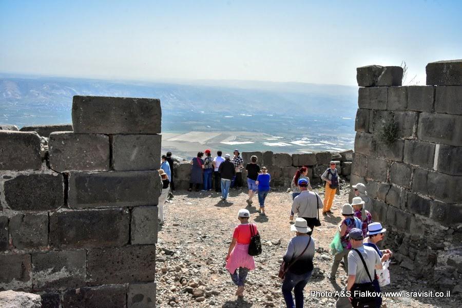 Экскурсия в крепости Бельвуар над Иорданской долиной. Экскурсия в Израиле.