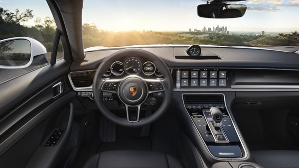 Porsche Panamera Hybrid interior