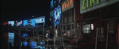 海老取川沿いの当時の民家や工場の夜
