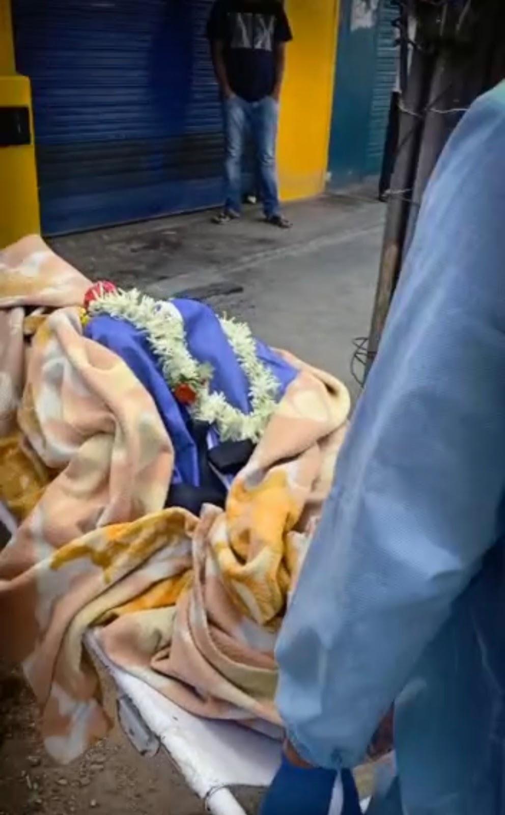 ಇವನೆಂತಾ ಮಗ?: 'ಹೆಣ ನೀವೇ ಸುಟ್ಟುಬಿಡಿ, ಅವರ ಬಳಿ ಇದ್ದ ದುಡ್ಡು ದಾಖಲೆ ತಂದು ಕೊಡಿ': ಸಂಸ್ಕಾರ ಹೀನ ಘಟನೆ ನಡೆದದ್ದು ಎಲ್ಲಿ ಗೊತ್ತಾ? (Video ನೋಡಿ)