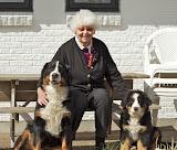 – Hundene er så glade for mormor