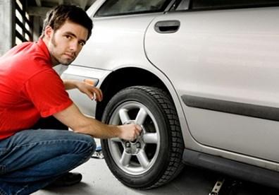 Cách kiểm tra lốp ô tô để bắt đúng bệnh