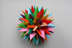 QRSTUVWXYZ Stars by Meenakshi Mukerji. Instructions: http://www.davidpetty.me.uk/origamiemporium/mm_qrstuvwxyz.htm