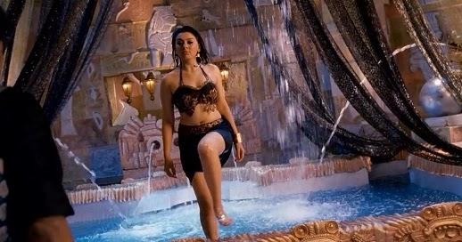 Plumpy Navel, Deep Navel And Actress Sexy Images: Hanskia