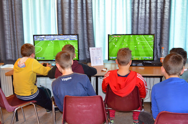 X-ICT FIFA tournament 03-04-2015 - DSC_0381%2B%2528Kopie%2529.JPG