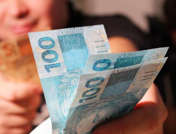 Afogados: Prefeitura começa pagamento de servidores; confira calendário!