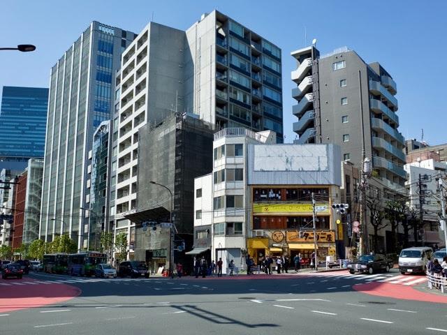 渋谷の並木橋の交差点