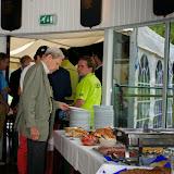 Ruud van Wely opent het buffet