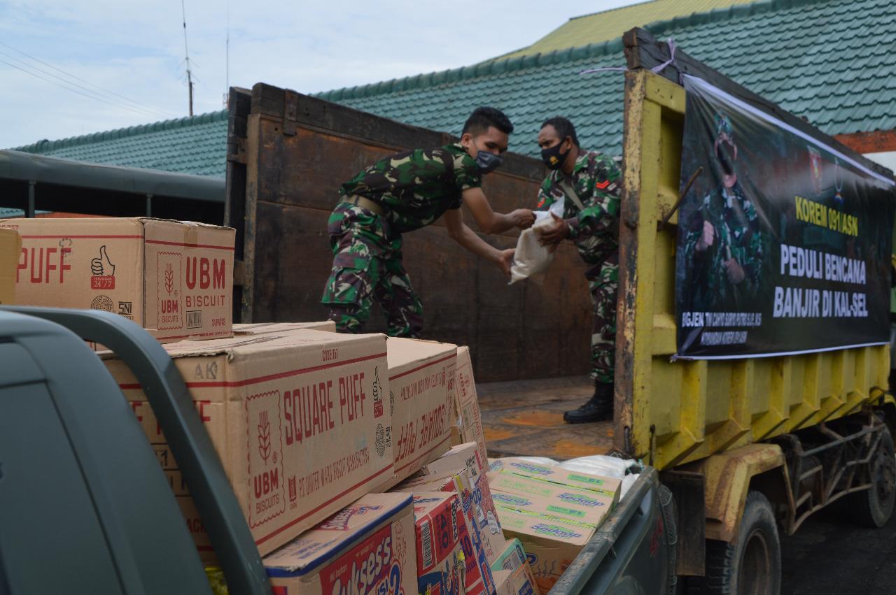 Kodim 0904/Tanah Grogot Kirim 2 Truk Paket Sembako Untuk Warga Kalsel