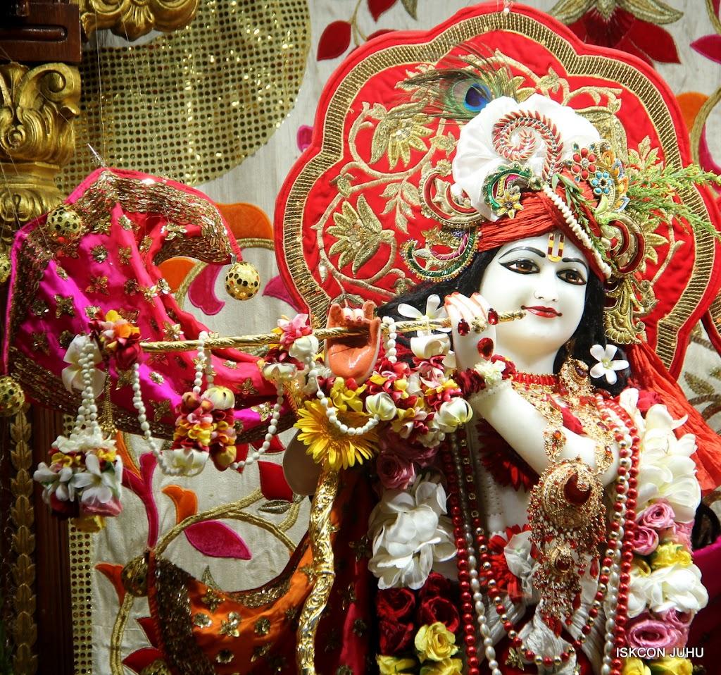 ISKCON Juhu Sringar Deity Darshan on 28th June 2016 (26)