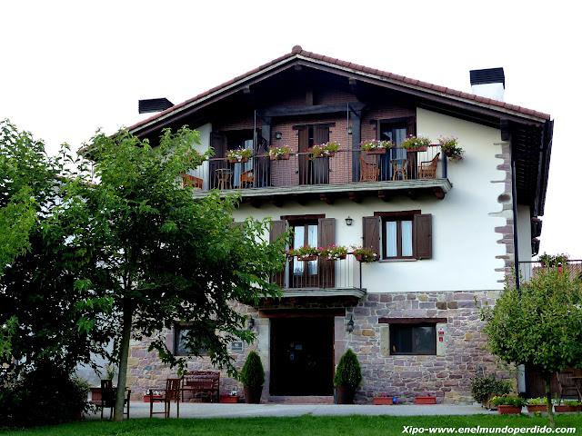 hotel-iribarnia-lantz.JPG