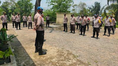 Polres Pandeglang Cek Kesiapan Personil Pengamanan Pilkades Zona 4 di Polsek Munjul