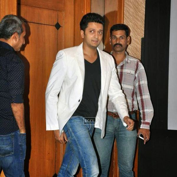 Riteish Deshmukh arrives for the success meet of Marathi movie Lai Bhaari, held at Orchid, on July 14, 2014.(Pic: Viral Bhayani)
