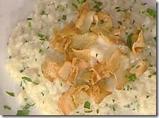 Risotto al gorgonzola e lardo con chips di topinambur