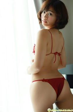 Yasueda Hitomi 安枝瞳