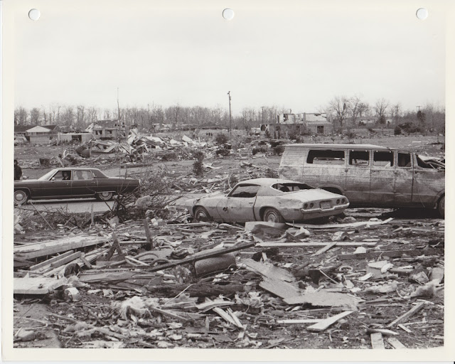 1976 Tornado photos collection - 46.tif