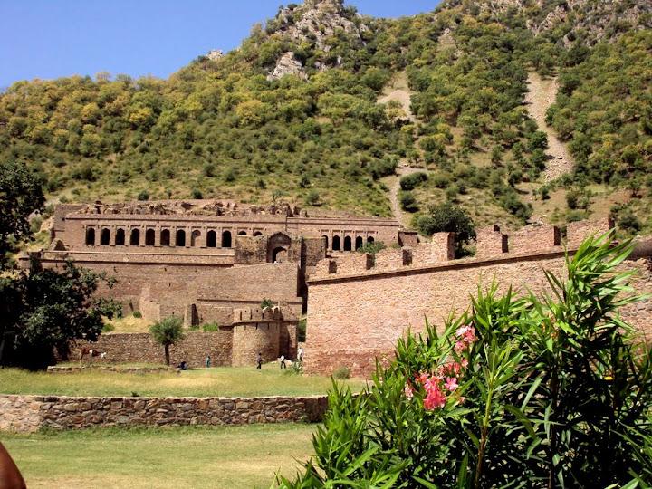 Banghar Fort, antiga cidade assombrada da Índia