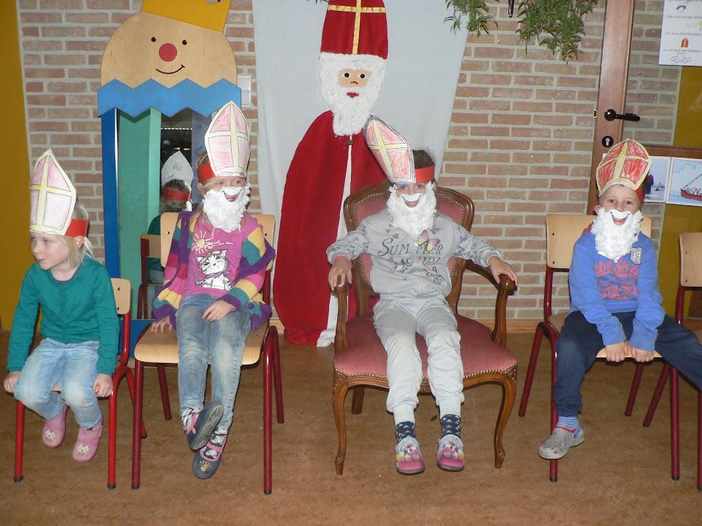Sinterklaas op bezoek - P1270287.JPG
