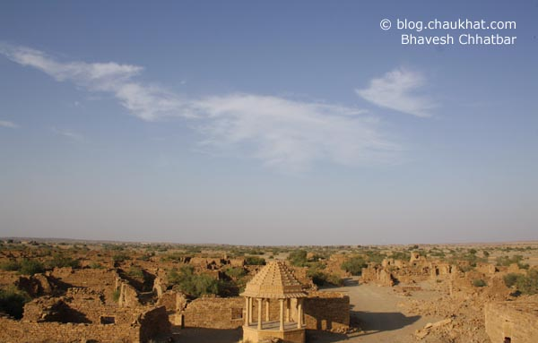 Kuldhara Village in Jaisalmer - Ruins of a Mainstreet, and an Umbrella