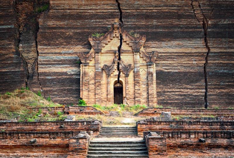 The unfinished Mingun Pagoda