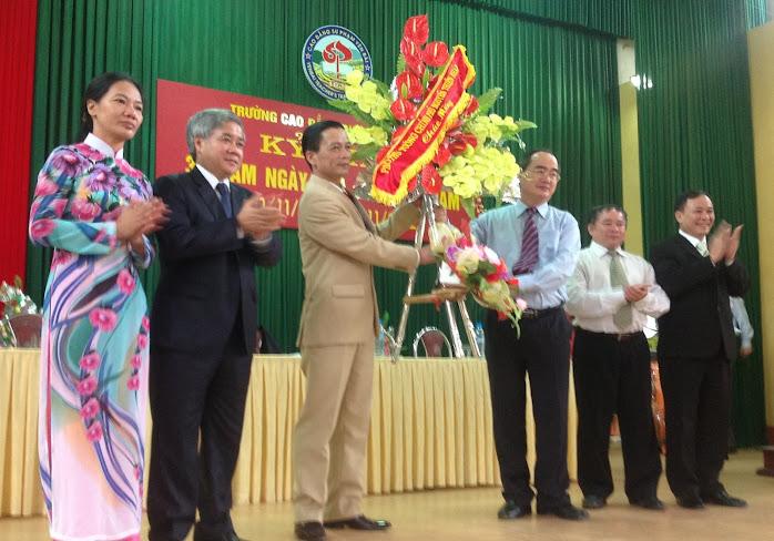 Phó Thủ tướng Chính phủ Nguyễn Thiện Nhân thăm và làm việc tại Trường Cao đẳng Sư phạm Yên Bái