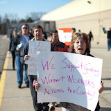 NL- WM action Black Friday (hi res fotos gracias Steve Mcfarland, cpd) - 1123Walmart_2764.jpg