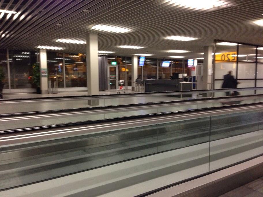 オランダ スキポール空港にて
