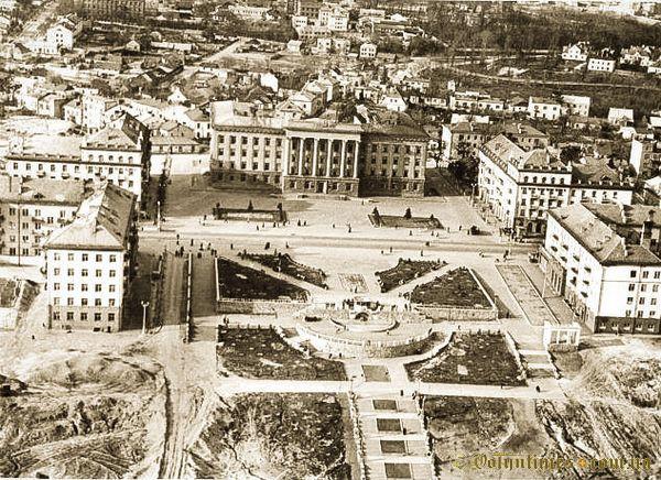 Будівництво центру Луцька. Фото Матрахова І.С.  1959 рік