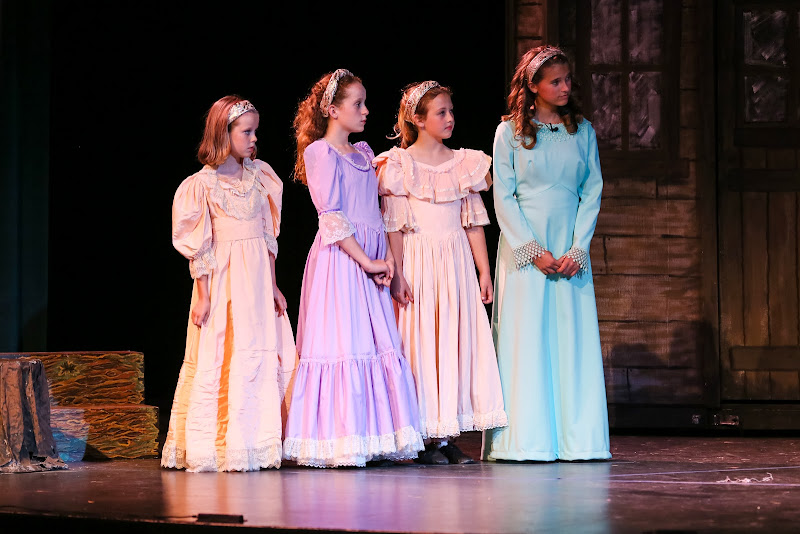 2014Snow White - 12-2014%2BShowstoppers%2BSnow%2BWhite-5694.jpg