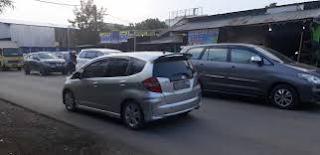 Lalu lintas di jalan daerah cibarusah